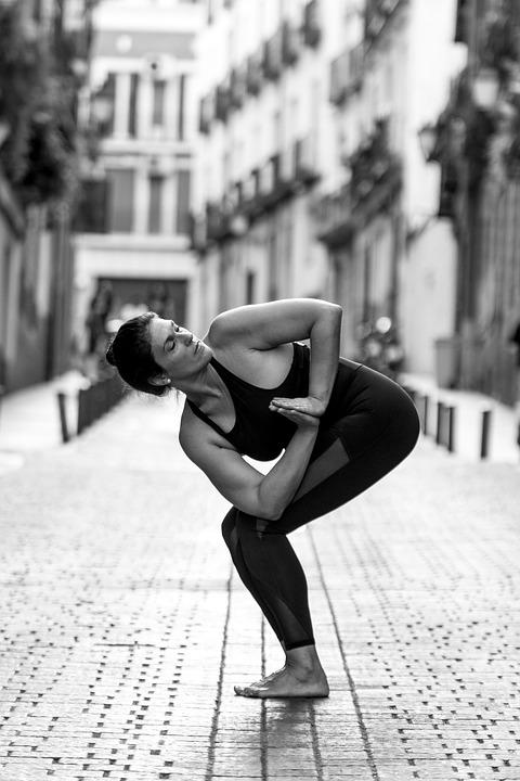 釀造瑜珈心情!一同踩上瑜珈墊玩瑜珈