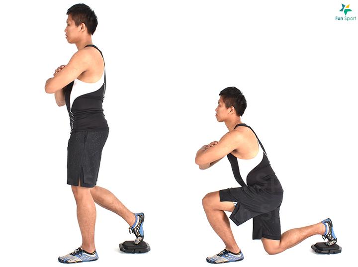※ 簡易版本: 若使用滑盤站 不穩, 可以先從徒手分腿蹲 練習。