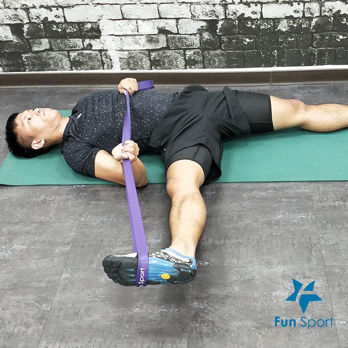 腿內》彈力帶運動