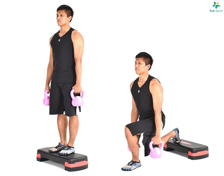一開始伏地挺身姿勢,身體呈一直線將雙腳放置在滑盤上,核心肌群保持繃緊。 3. 身體保持不變,雙腳膝蓋往胸口前進,接著雙腿伸直再將滑盤推回. 來回一下,操作12 下5 組小叮嚀:動作過程下背不得下