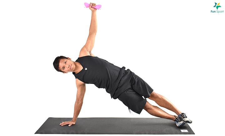 ※ 小叮嚀:動作過程核心繃緊且從頭到腳要呈一直線,才會有效果。