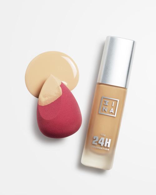 底妝步驟:美妝蛋上超時持妝粉底