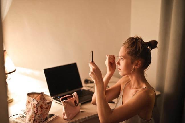 化妝用什麼燈光最適合