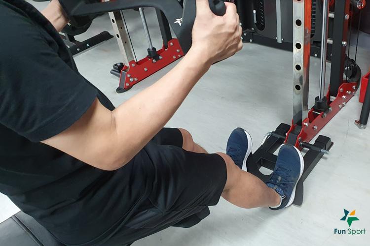 S109划船腳踢板