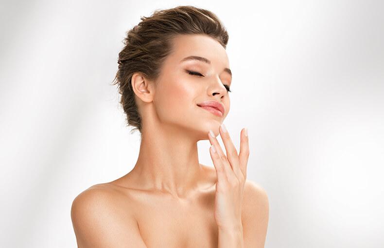 化妝水功用為濕潤肌膚
