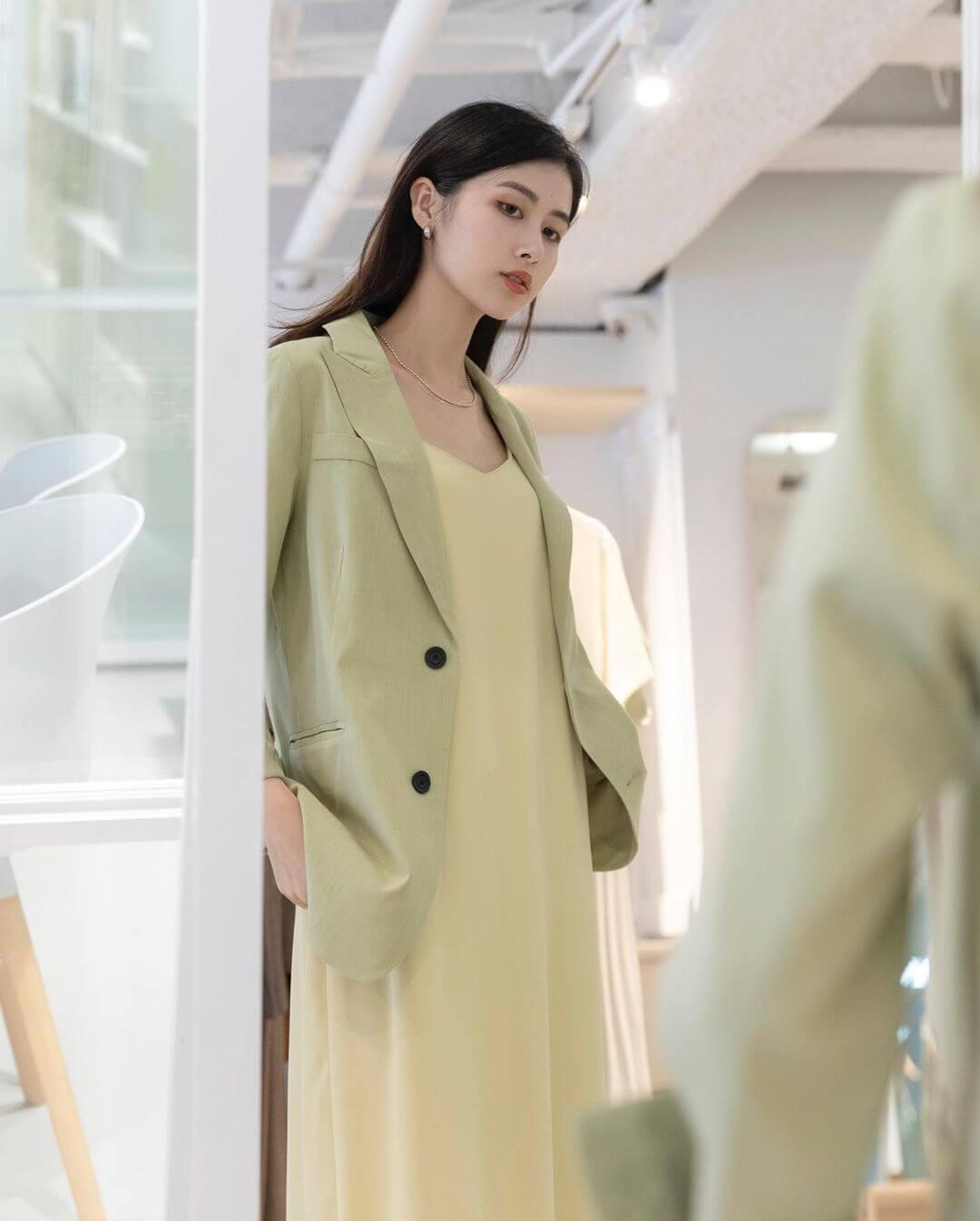 果綠色西裝外套穿搭