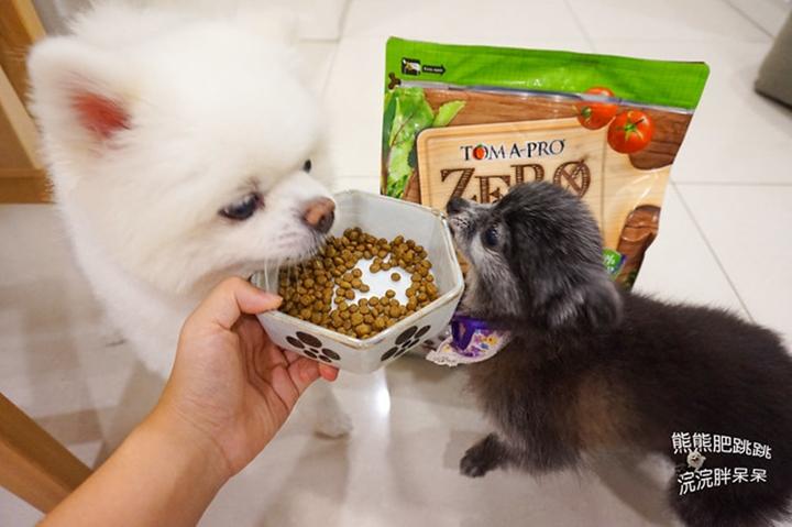 優格零穀‧室內犬體重管理配方,搶著吃