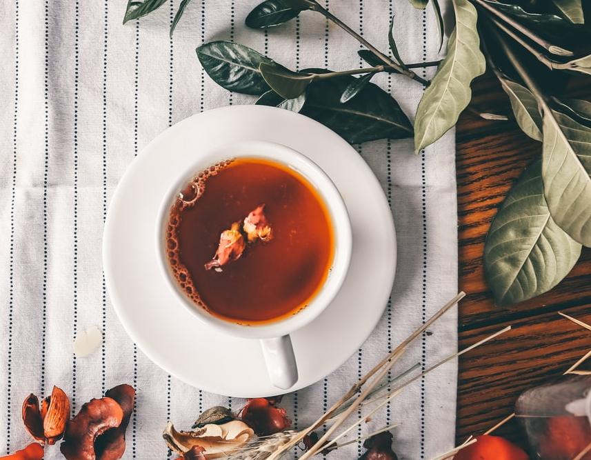 喝杯有機茶成為睡前儀式