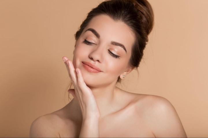 精華液功能來保養肌膚
