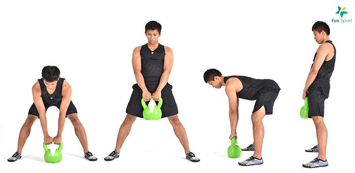 下肢拉 ‧ 壺鈴相撲硬舉 1. 雙腳站比肩再寬,雙手握住壺鈴,臀部向後,身體前傾,壺鈴落在中間。 2. 肩胛向後收緊,上半身呈一直線,下背不得彎曲。 3. 臀部繃緊將髖部向前推,將壺鈴拉近身體,維持同樣動作模式將壺鈴放回 地上。 4. 重複操作3 組,每組12 下,動作過程身體保持挺直。 ※ 鍛練功效:雙腳站開使臀部肌肉參與更多,鍛練臀部發力。