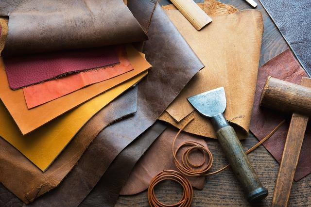 皮衣是巴黎人秋季最重要的時尚單品