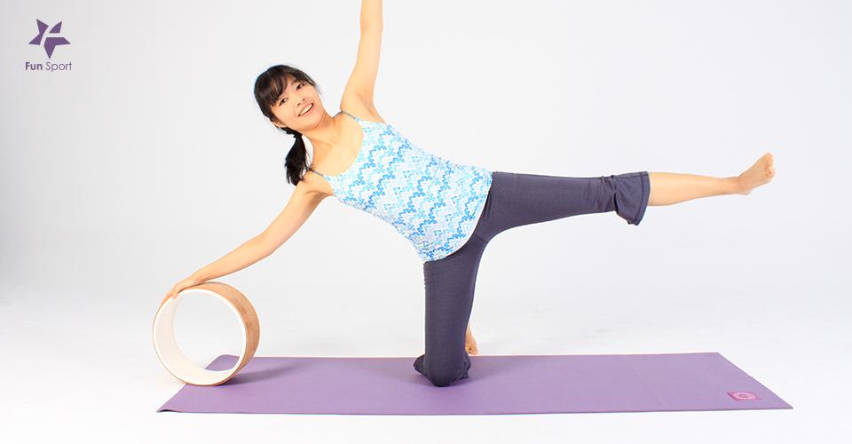 瑜珈橋式瑜珈輪輔助動作-抬腿變化