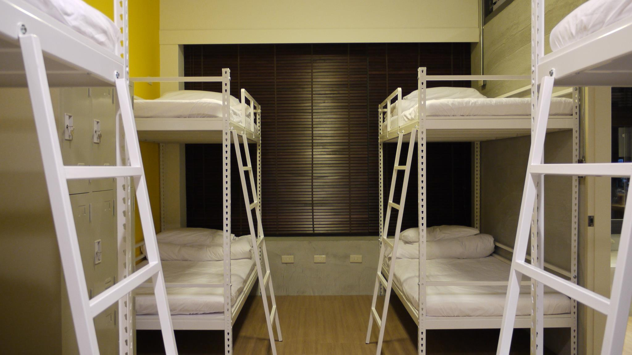 角鋼床架 vs. 實木床架優缺點大公開!購買床架需要注意什麼?|架高床|床架缺點 |床架耐重 |床架怎麼挑|床架訂製 |雙人床架