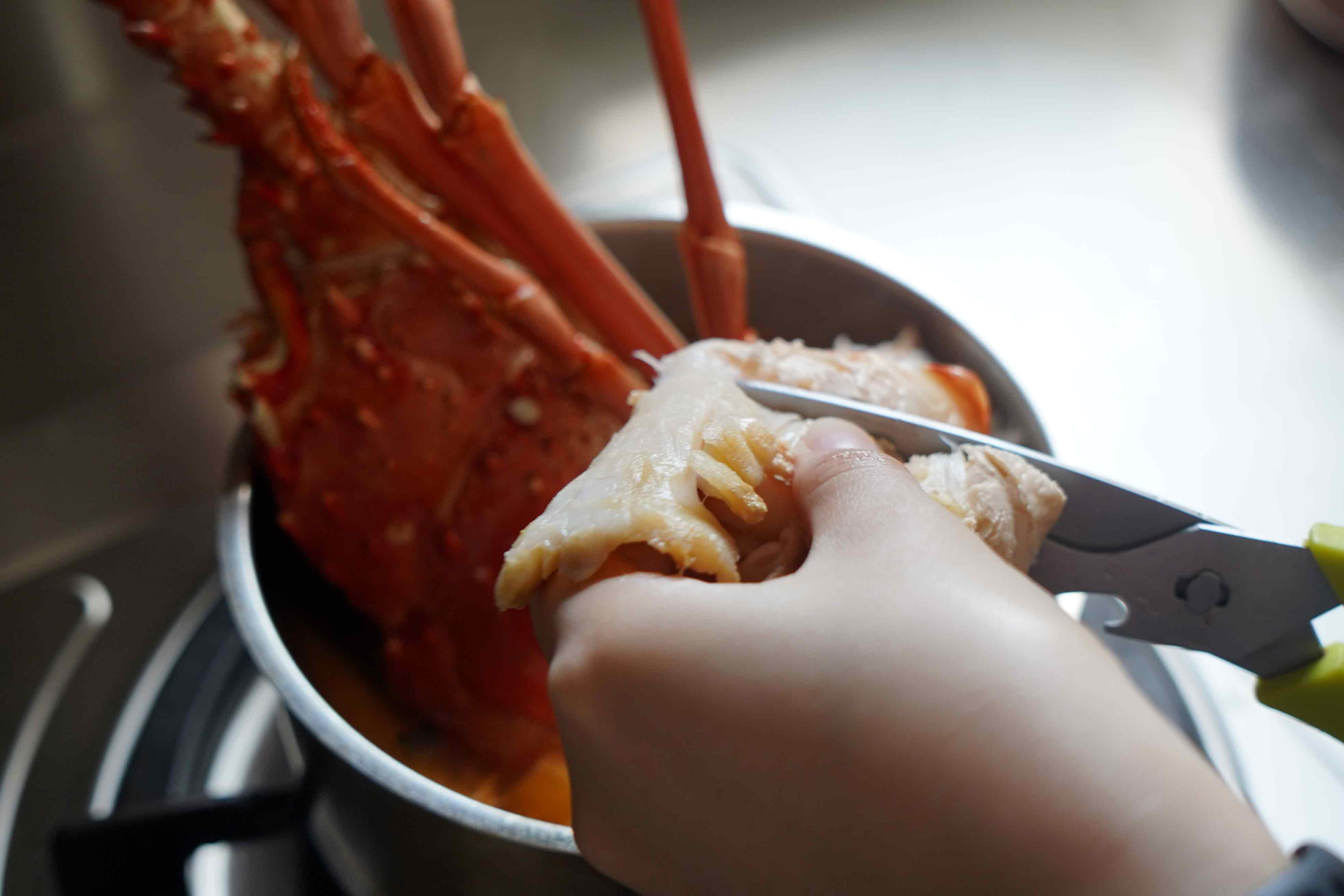 【這樣煮泡麵才好吃】浮誇龍蝦泡麵 幾個步驟對了就更美味