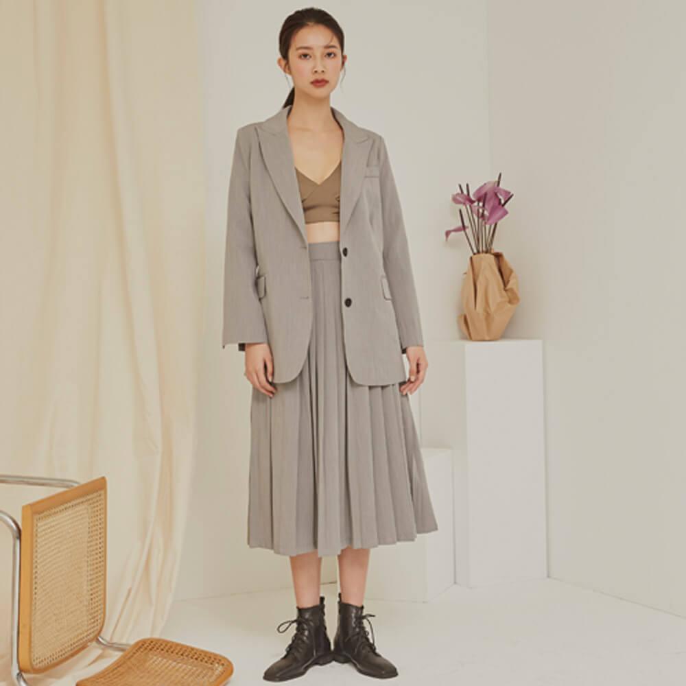 西裝外套是韓國女生必備單品