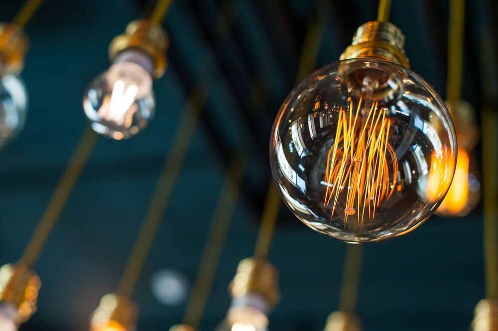 鎢絲燈泡LED燈泡原理介紹