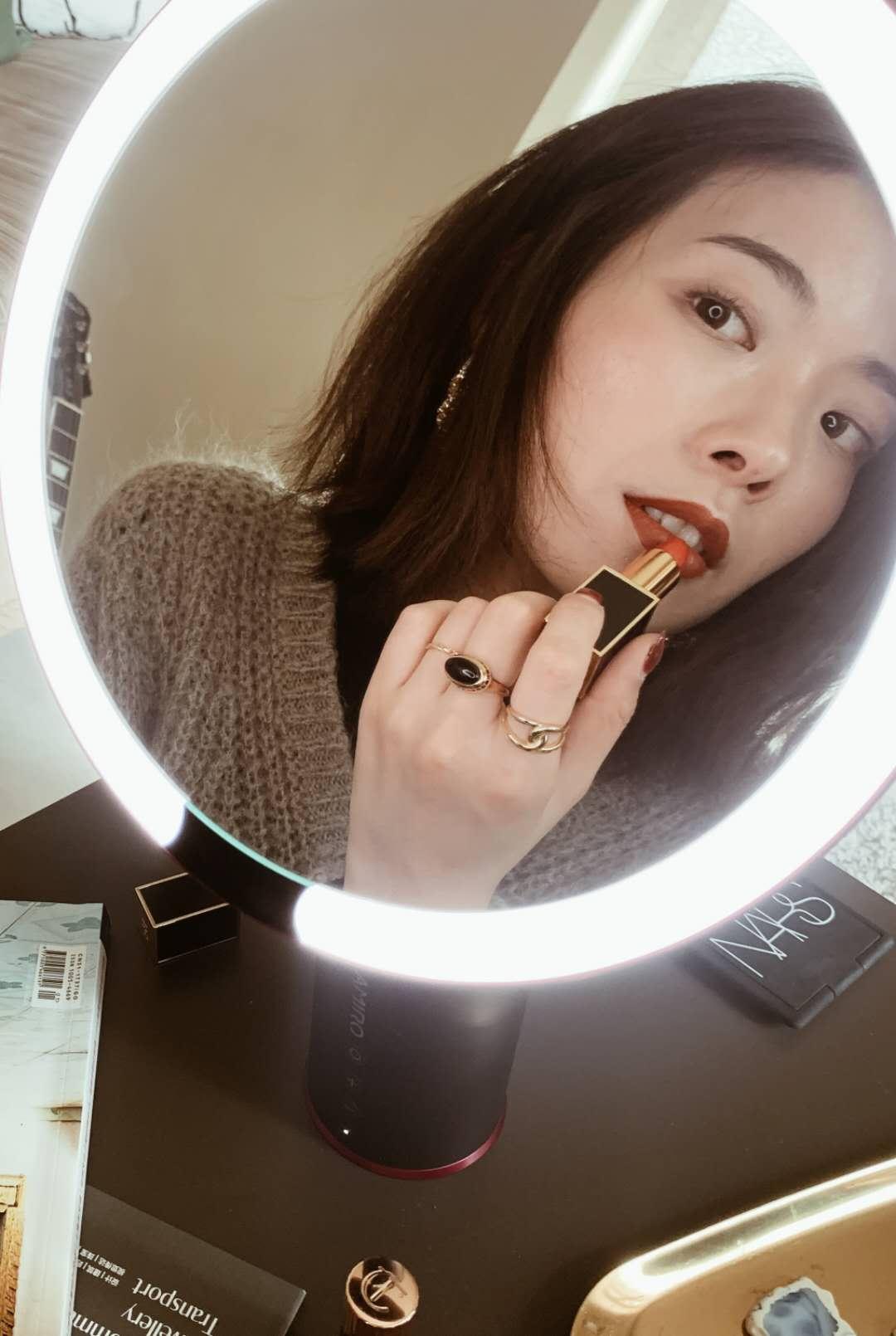 美妝鏡化妝