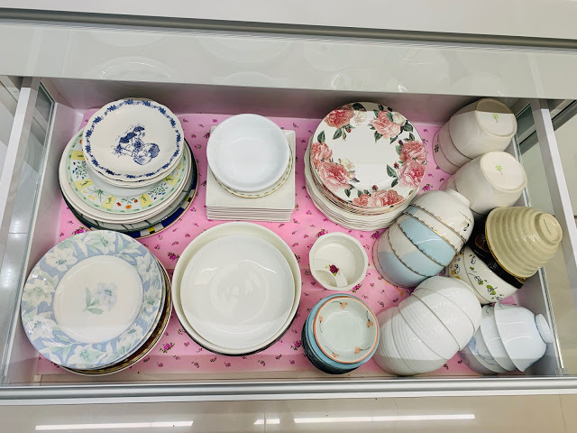 散亂的碗盤 佔位子